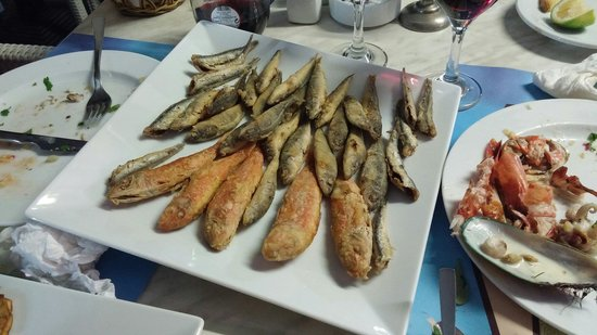 Dionyssos Fish Tavern: 3
