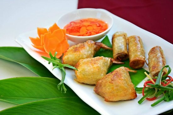 Footstep restaurant: Gold bag (spring rolls)