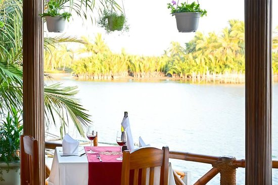 Footstep restaurant: River view