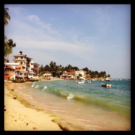 SurfCity Guesthouse: пляж в Унаватуне