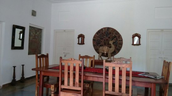 Hibiscus Guest House: Dining area