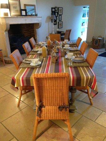 Domaine de la Corgette : Breakfast table
