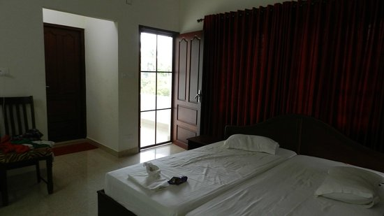 Homested Cochin: The Non AC Room