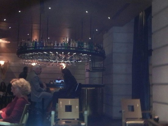 Hotel Banke: A great bar after work near Galery Lafayette.