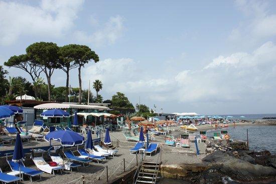 Grand Hotel Punta Molino Beach Resort & SPA: Part of the beach