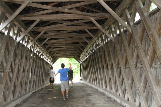 Cedarburg Cultural Center : Pont couvert