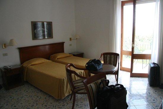 Hotel Bellavista : Zimmer mit Doppelbett
