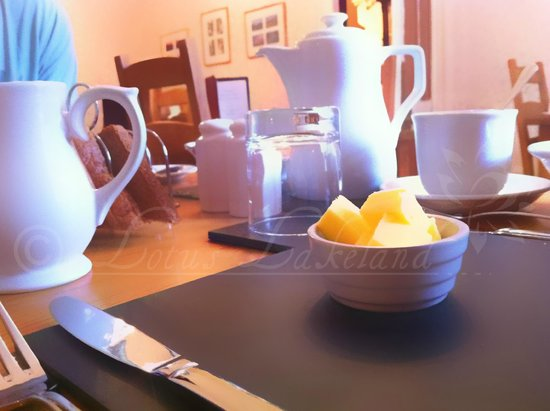Caer Menai Guest House / Bed and Breakfast : Slate Place Mats & Clean Cutlery