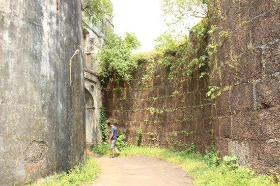 Jaigad Fort : Fort entrance