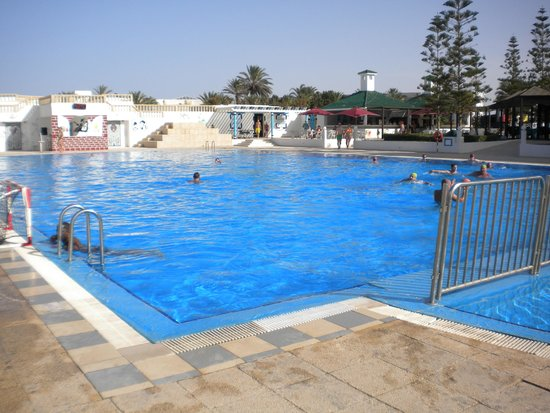 Amir Palace: outdoor pool