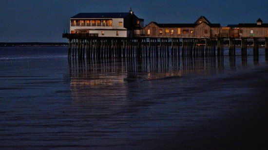 The Skylark Beach Inn: The Pier @ Sunrise