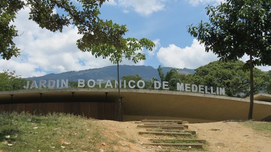 Entrada picture of jardin botanico de medellin medellin for Jardin botanico costo entrada