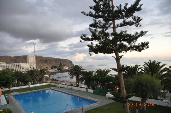 Comodoro Apartments : Pool from room