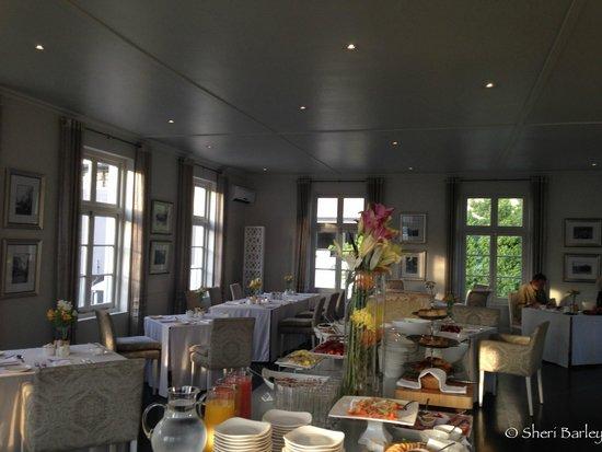 مور كوارترز هوتل: Breakfast dining room