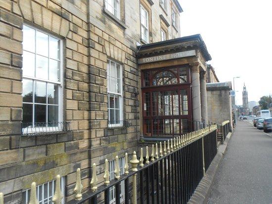 Tontine Hotel: Classic Entrance