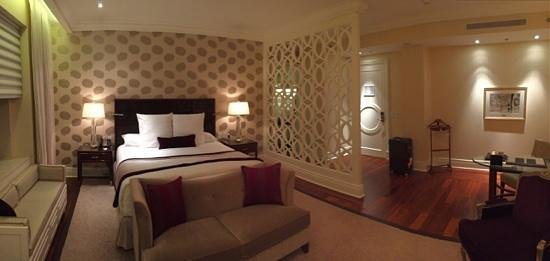 The Ritz-Carlton, Montreal : A Junior King Suite