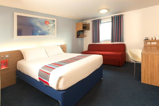 Travelodge Bridgend Pencoed : Bridgend Pencoed Hotel - Family Room