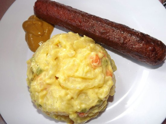German Food Corner: Bratwurst (Beef or Chicken ) with Potato salad Bratwurst (Rind oder Huhn) mit Kartoffelsalat