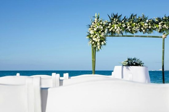 Beloved Playa Mujeres : Weddings