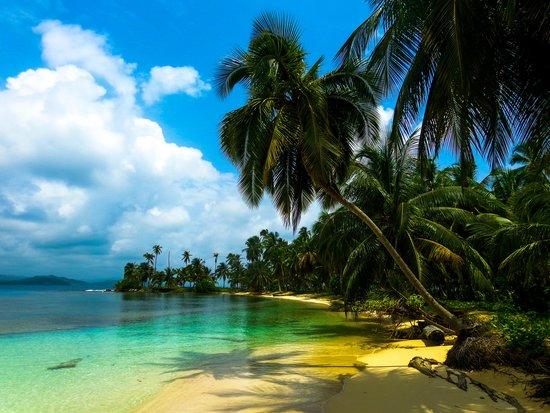Guna Yala Region, بنما: A day at the beach