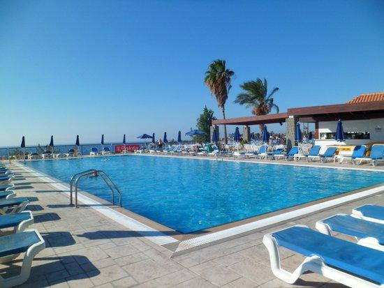 La piscine picture of princess sun hotel kiotari for La piscine review