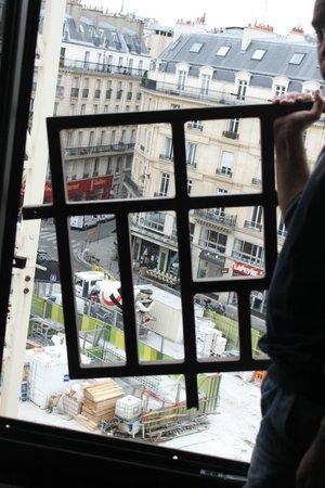 Novotel Paris Les Halles: facilidade como a grade se soltava