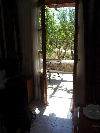 Charissi Hotel: vue sur balcon depuis la chambre