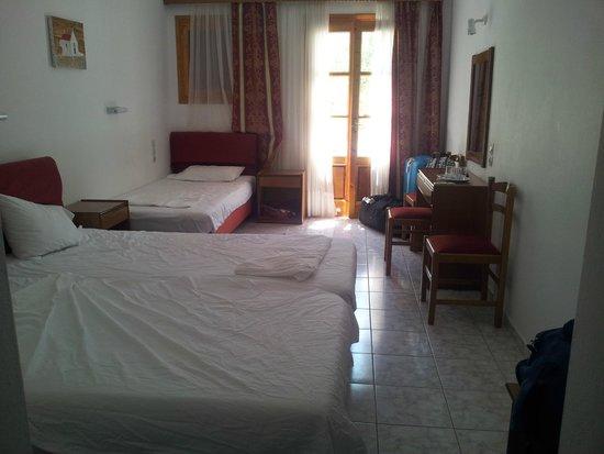 Charissi Hotel: chambre
