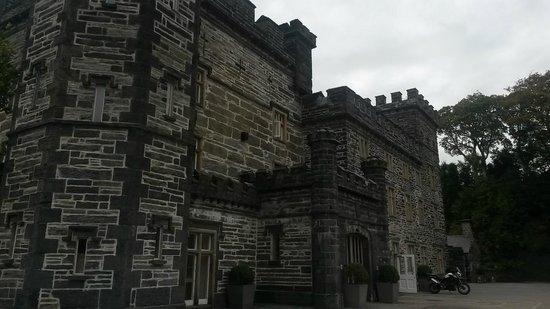 Castell Deudraeth: castel