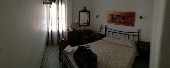 Philippi Hotel: the basic room