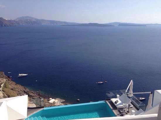 Santorini Secret Suites & Spa: View from room