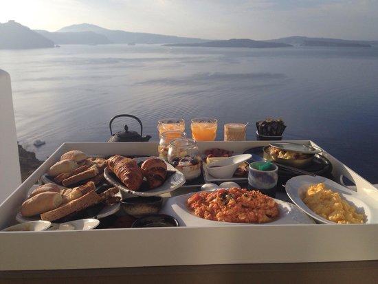 Santorini Secret Suites & Spa: The amazing breakfast!