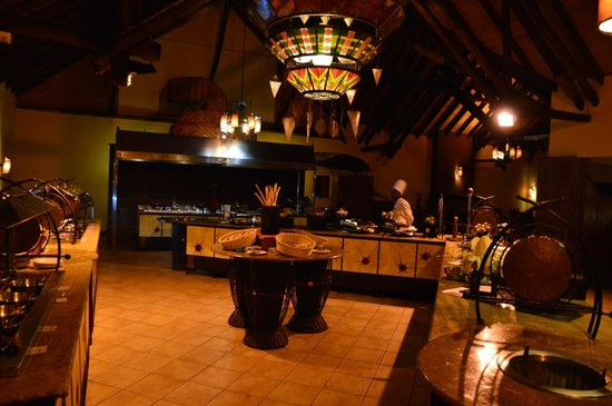 Keekorok Lodge-Sun Africa Hotels: Restaurant