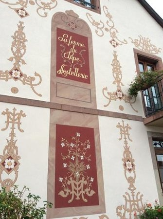 The Pope's farm Hostellerie : The entrance