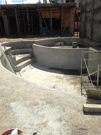 Posada LunaSol Hotel : NEW Pool almost complete!