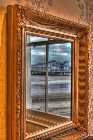 Cabot Court Hotel: Reflections