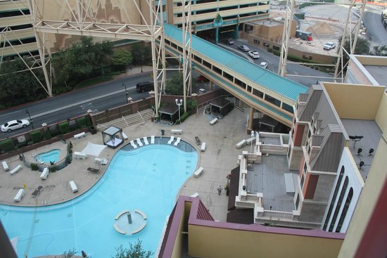 Pool Picture Of New York New York Hotel And Casino Las Vegas