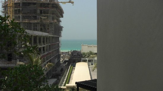 Movenpick Hotel Jumeirah Beach : view from pool