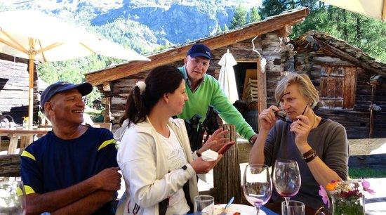 Restaurant Zum See : Friends Rao and Jessica with Max and Greti