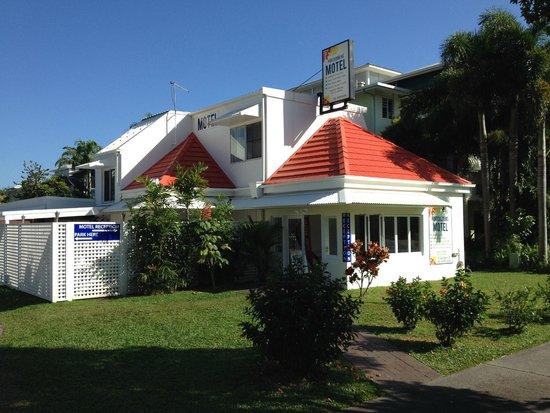 Port Douglas Motel : Nice and bright Motel.