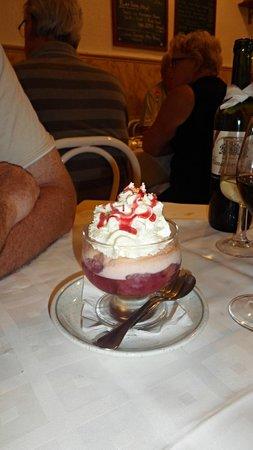 Sands Bistro: Trifle