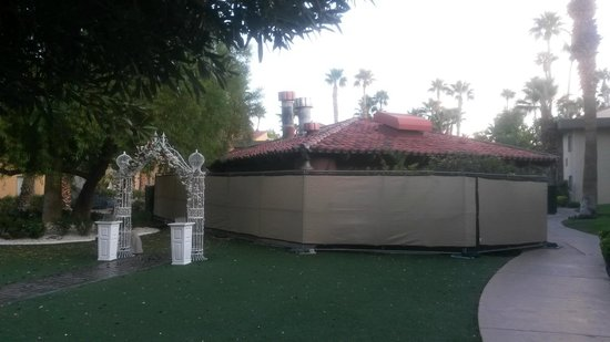 Wedding Bell Chapel Of Las Vegas En Face Du Gazebo