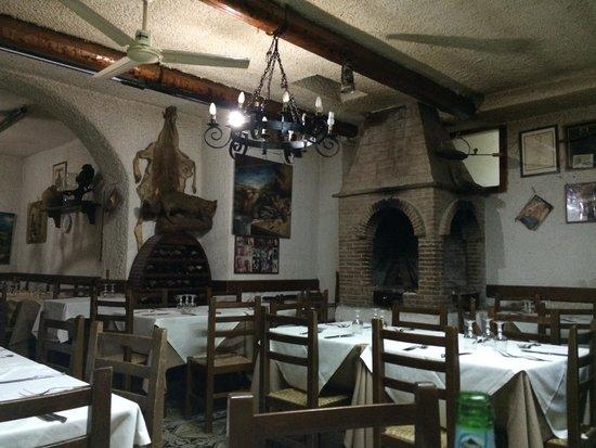 La Castellana: La sala interna.