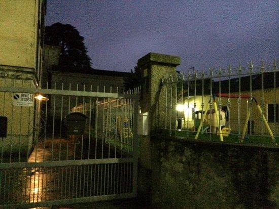 Il Sogno Bellagio: Gate to apartment