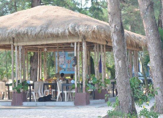 Sandbeach Bungalow: Az étterem