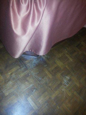 Golden Tulip Manali: Worst wooden flooring. ..