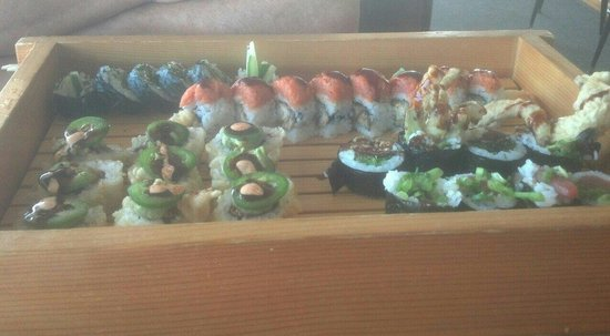 Haoles Sushi and Sake Bar: Mexican pipeline et al