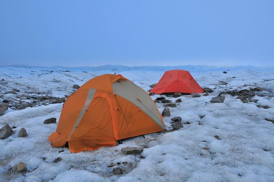 Hostal El Puesto : overnight camp on glacier
