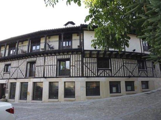 Hotel Spa Villa de Mogarraz: Fachada del hotel