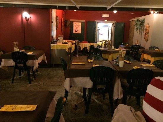 Pizzeria Trattoria all'Anfora : 花園用餐區域